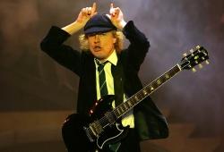 AC/DC 主音吉他Angus Young