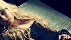 Avril Lavigne艾薇儿性感海报壁纸
