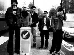 Radiohead  电台司令摇滚壁纸