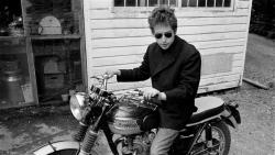 Bob Dylan年轻时期 骑摩托帅气壁纸
